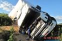Acidente deixou motorista ferido. Foto www.campoere (1)