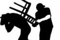 Casal é agredido a cadeirada por ex da mulher